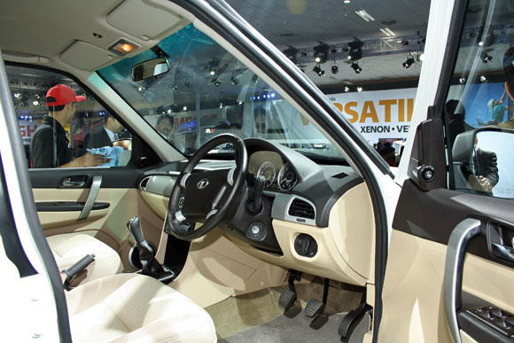 The dashboard and the console of the new Tata Safari.