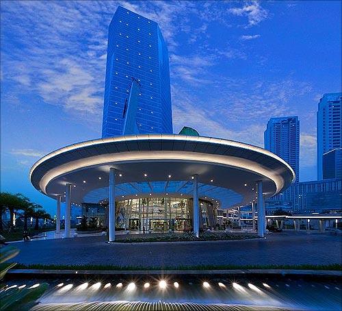 Central Park Apartments Jakarta: World's 25 Largest Buildings