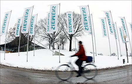 Siemens is a 10-time Global Make Winner.