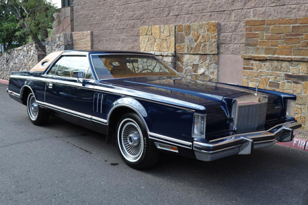 1977 Lincoln Continental Mark V.