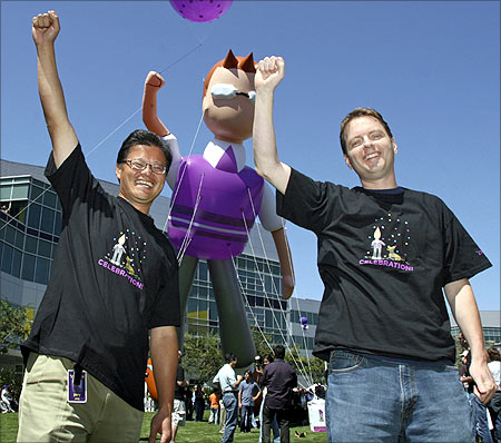 Jerry Yang (L) and David Filo celebrate the launch of the new Yahoo! Mail.