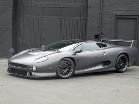 Jaguar XJ220S.