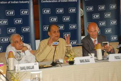 Rahul Khullar, Commerce Secretary, Ministry of Commerce and Industry; Mr Rahul Bajaj, Past President, CII and Chairman, Bajaj Auto Limited; Mr Pascal Lamy, Director General, WTO at a Closed Door Session on Taking Doha Round Forward.