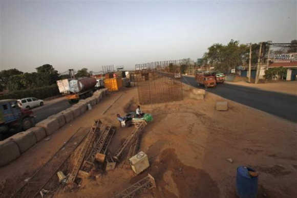 Road to nowhere, Indian highway stuck in limbo