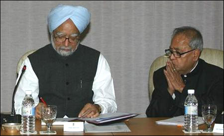 'Probably Pranab Mukherjee knows more about India than Manmohan Singh'