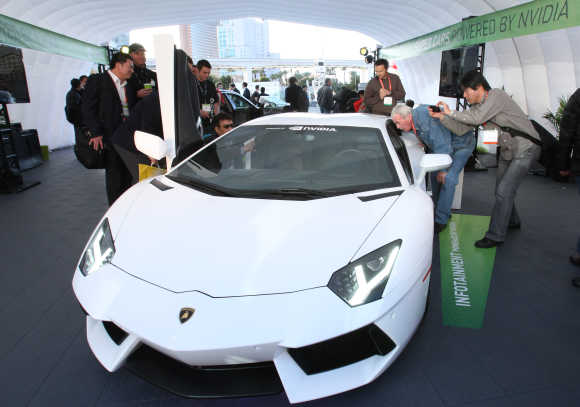 Lamborghini Aventador LP700-4.