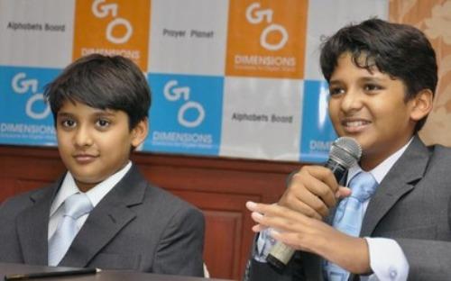 Shravan Kumaran and Sanjay Kumaran (L).