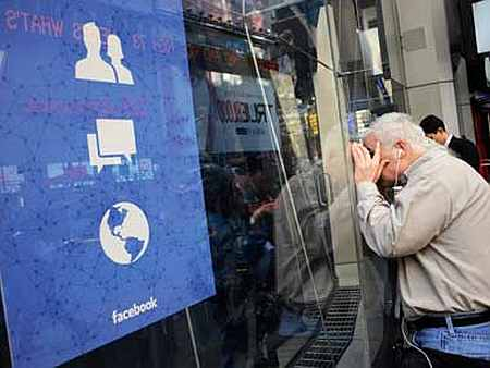 Facebook user base soars to 50 million in India