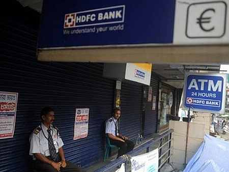 HDFC banks on its 'recession-proof' formula