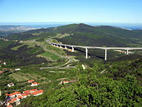 Crni Kal Viaduct on the A1 motorway.