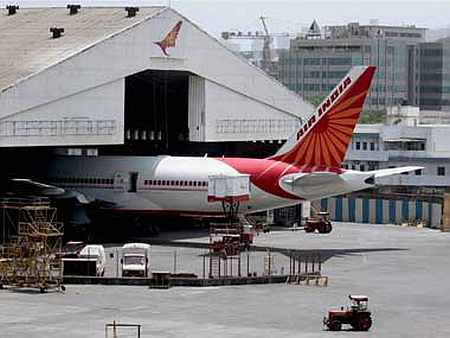 Air India advertises for pilots on contract