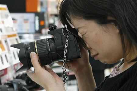 A photographer can earn anything between Rs 500 to Rs 5,000 a day