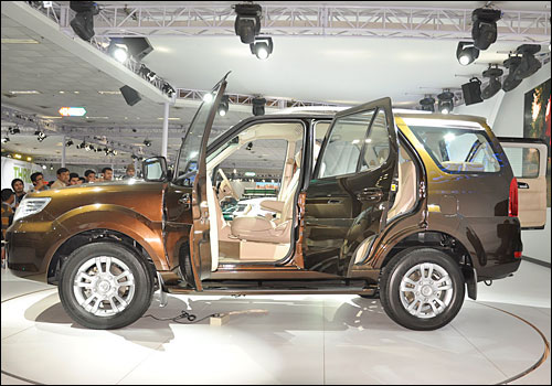 Tata Safari Storme to be launched soon