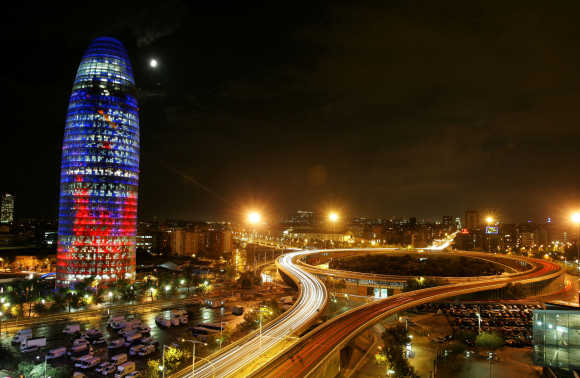 The lights system of the new Agbar Tower is tested in Barcelona.