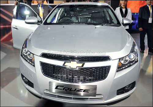 A new more powerful Chevrolet Cruze finally drives in