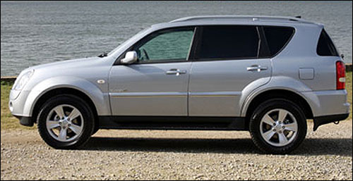 Side view of Rexton.
