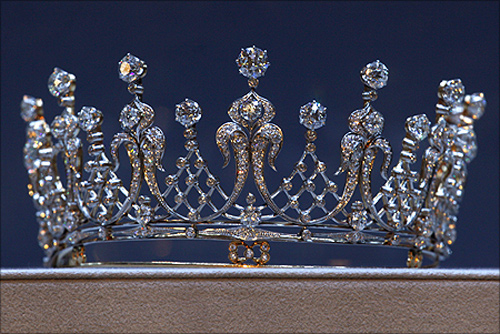 'The Mike Tood', an antique diamond tiara, which belonged to the late actress Elizabeth Taylor.