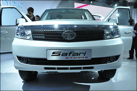 Which is better? The new Xylo or Tata Storme