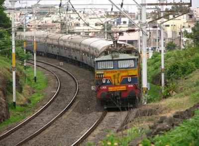 Railways plan to hire 150,000