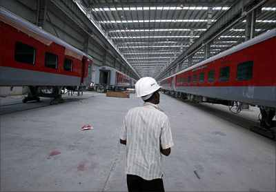 Rail Budget: Railways to borrow Rs 15,000 cr in 2012-13