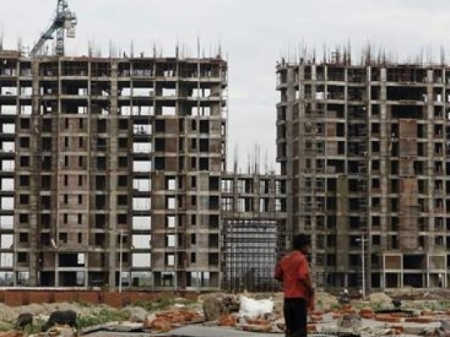 DLF's large cashflow shortfalls is a negative for the company, says an analyst.