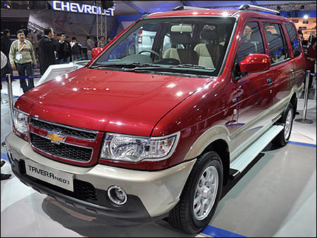 All new Chevrolet Tavera Neo 3 BS IV at Rs 7.51 lakh ...