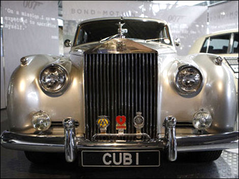 Rolls-Royce Silver Cloud car from 'A View To A Kill'.