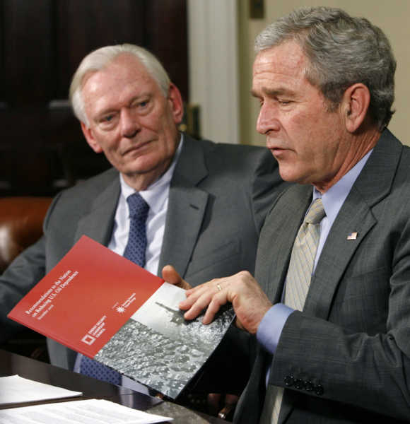 Herb Kelleher, right, with former US president George W Bush.