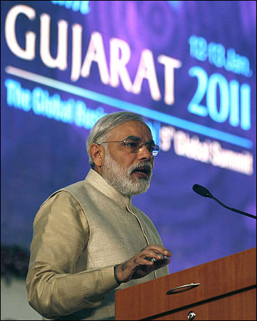Modi at the Vibrant Gujarat Global Investors' Summit 2011 held at Gandhinagar.
