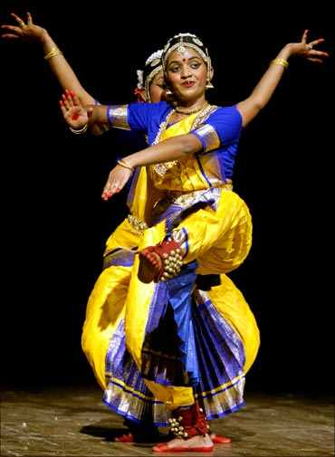 Bharatanatyam dancers in Chennai