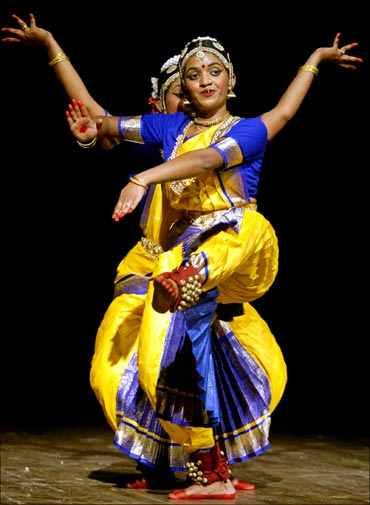 Bharatanatyam dancers in Chennai