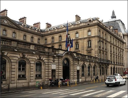 Caisse des Depots et Consignations.