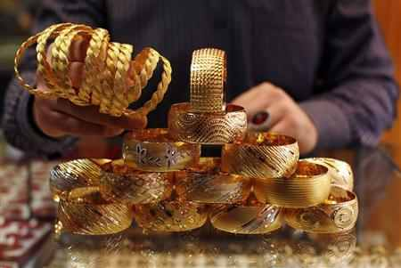 Gold at life-time high of Rs 29,695