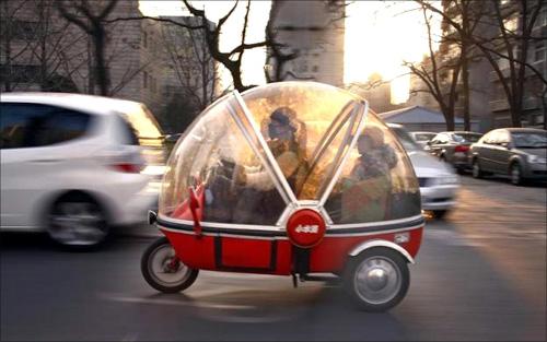 Glimpses of amazing futuristic vehicles, gadgets