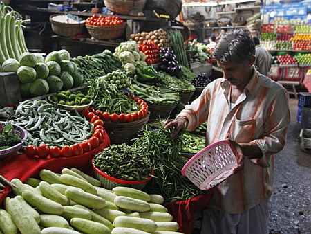 Vegetable prices push retail inflation to double digit