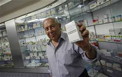 India's medicine man strikes again