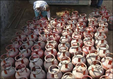 Govt hikes subsidised LPG cylinder quota to 12 per year