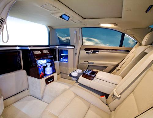 Mercedes S550 30 interior.