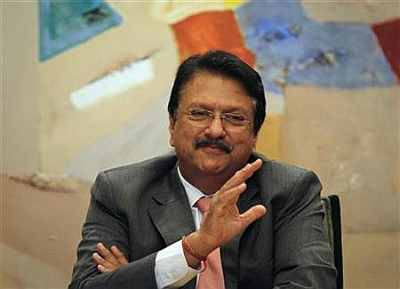 Why Piramal Healthcare is like Buffett's Berkshire Hathaway