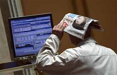 FII gains evaporate as dollar turns too hot for rupee