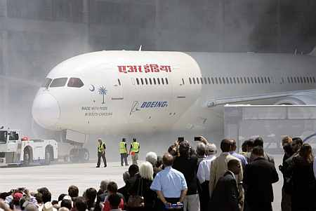 Boeing 787 Dreamliner: First test flight for Air India successful