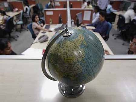 Despite stalled reforms, FDI inflows rise 34% in 2011-12