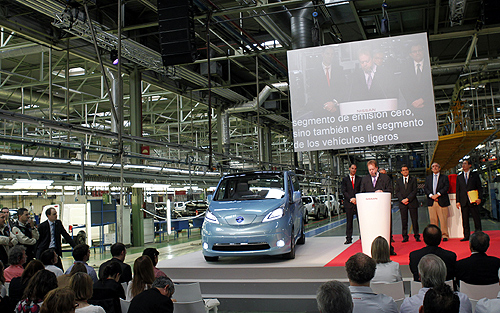 Nissan Motor Co. Executive Vice President Andy Palmer (C) speaks during the unveiling of the new e-NV200 electric car at Zona Franca Nissan factory.
