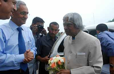 Kalam urges IITians to become job generators