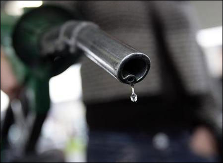 Most states now tax petrol consumption more than Centre