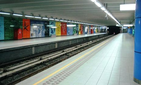 Platforms of Heizel/Heysel station, Brussels Metro.