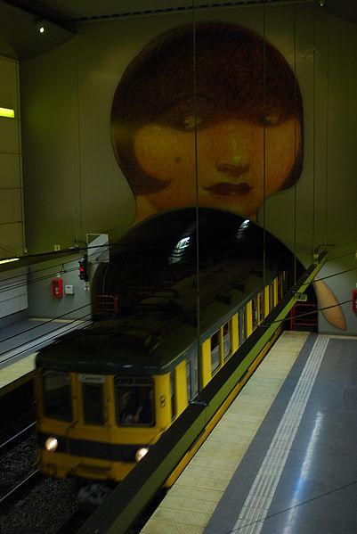 A train enters the Venezuela Station.