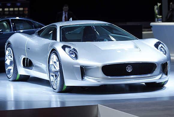 Jaguar's CX75 electric car in Los Angeles.