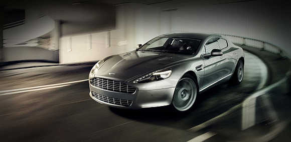 Aston Martin Rapide.