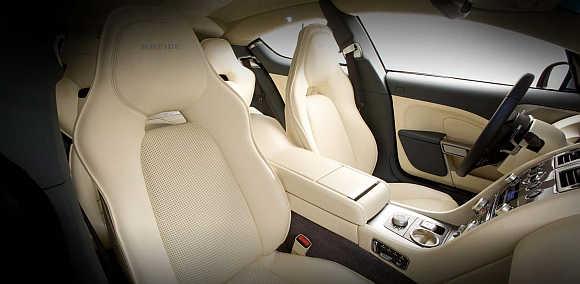 Aston Martin Rapide.